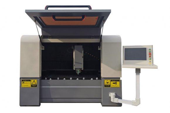 Vente de machine à découper le métal au laser Fibre Lyon,