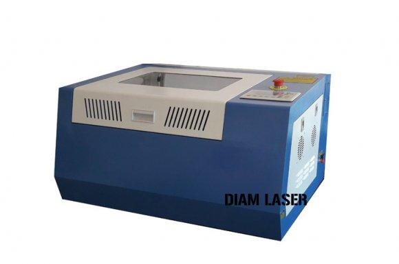 Vente de machine à graver et découper du bois au laser CO2 Lyon