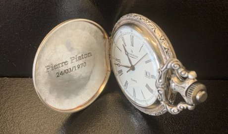 DIAM Laser Gravure sur montre argent Lyon
