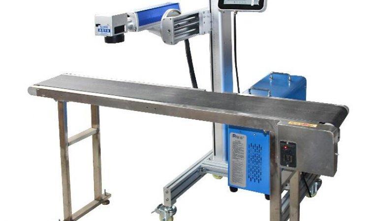Vente de machine à graver et découper au laser CO2 Lyon pour l'industrie avec convoyeur