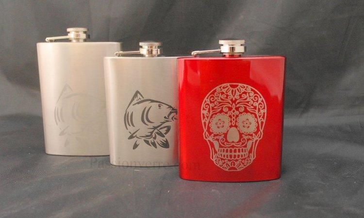 DIAM Laser Gravure sur inox Lyon, 3 flasques inox personnalisées, 3 types de gravures différentes