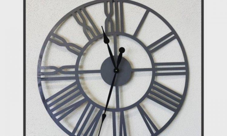 DIAM Laser Découpe acier Lyon, grande horloge mural en acier